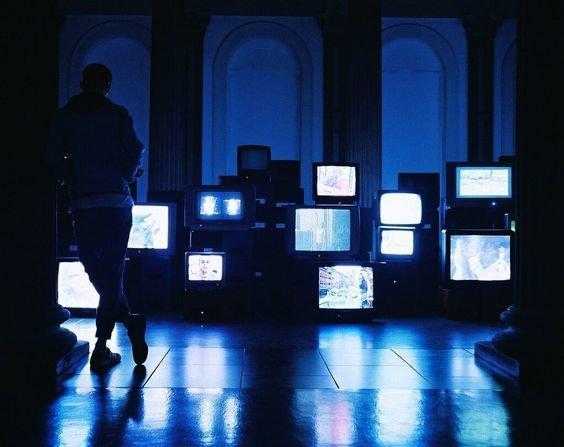 تلویزیون حرف کدام طبقه از جامعه را منعکس کند؟