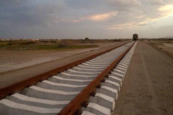عملیات اجرایی راه آهن قطعه اول بم - جیرفت کلید خورد