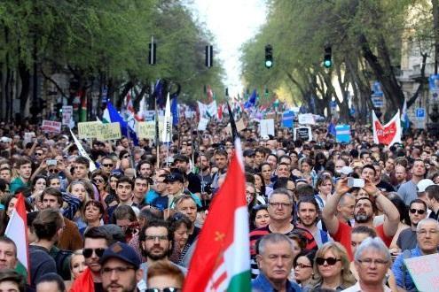 برپایی تظاهرات گسترده ضددولتی در مجارستان