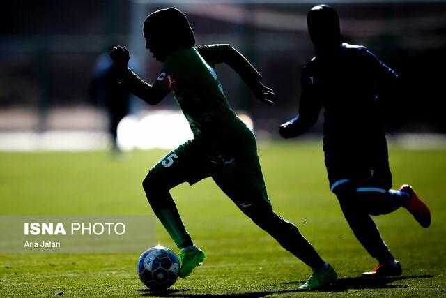 نبرد دختران فوتبال در توپخانه کرمان