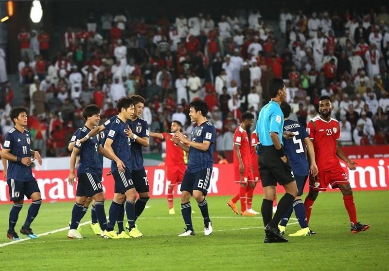 جام ملت های آسیا، جشن صعود ژاپن با کسب دومین برد پیاپی، زور عمان به داور نرسید