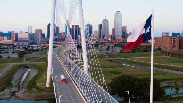 اجرای اولین برنامه عملیاتی تحویل محموله با کامیون های خودران در تگزاس