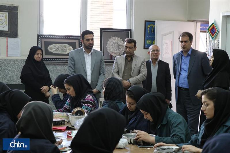 واگذاری اجرای دوره های آموزش صنایع دستی با اداره کل فنی و حرفه ای استان مرکزی