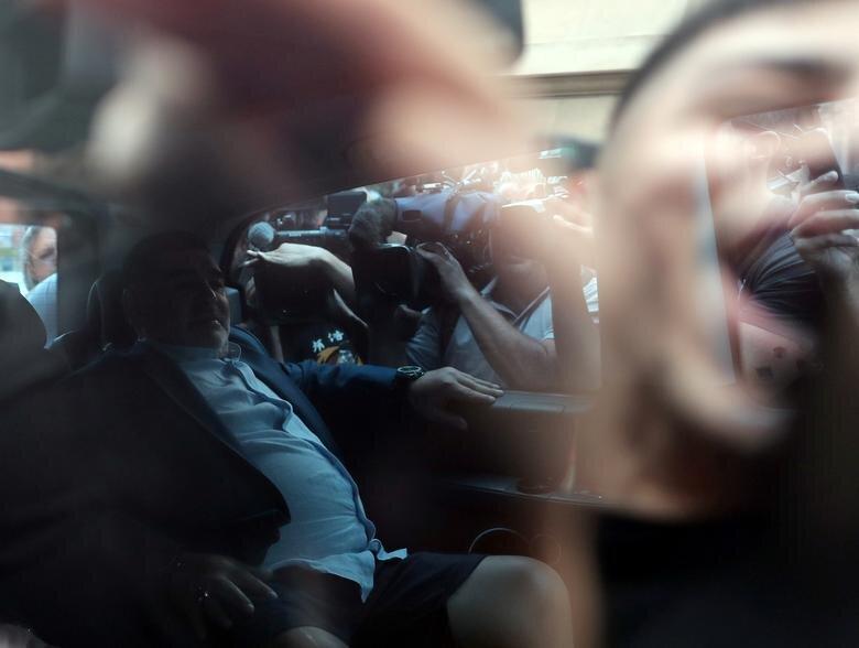 عکس روز، مارادونا به دیدار رئیس جمهور می رود