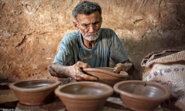 812 هنرمند صنایع دستی با 3 میلیارد تومان بیمه شدند، پیشنهاد انتقال بیمه صنایع دستی از تامین اجتماعی به صندوق روستائیان و عشایر