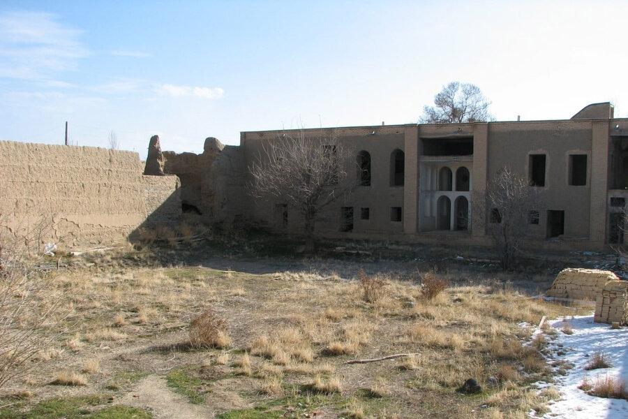 شروع عملیات بازسازی قلعه خاندان بهادری کمیجان