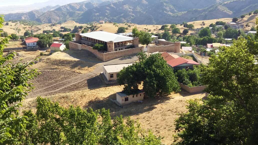 خبرنگاران بازسازی عمارت تومانیانس و مدرسه تاریخی وینق رو به اتمام است