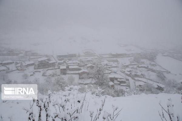 خبرنگاران برف ، راه برخی روستاهای سوادکوه را بست
