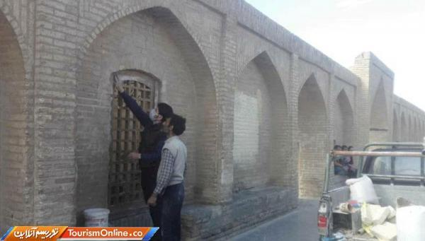 تداوم عملیات بازسازی های مستمر سی وسه پل اصفهان