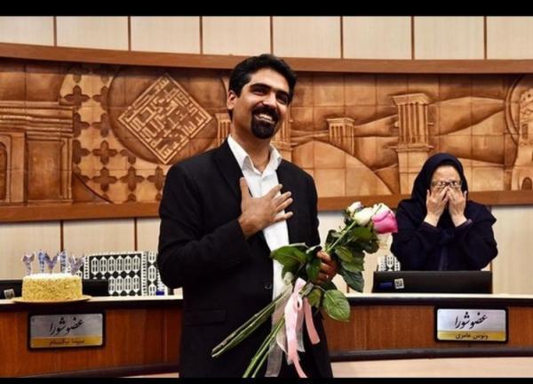 ثبت نام سپنتا نیکنام در انتخابات شورای شهر تهران