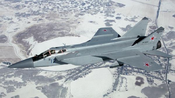 میگ-31 روسیه هواپیمای جاسوسی آمریکا را رهگیری کرد