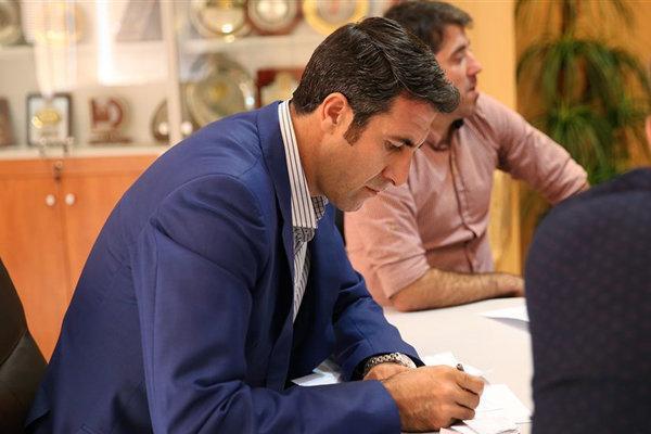 بهنام محمودی: باید در خصوص حضور مربی ایرانی به جای مترجم پافشاری کرد، عطایی کار سختی دارد