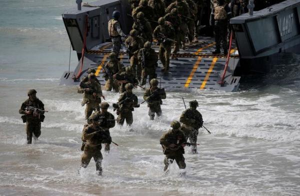 پایگاه های نظامی استرالیا ارتقا یافته و مانورها با آمریکا گسترده می گردد