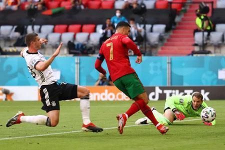 برد پر گل آلمان و توقف فرانسه و اسپانیا ، رونالدو فقط دو گل دیگر تا دایی