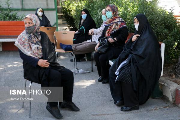 شلوغی و ازدحام در مراکز واکسیناسیون اهواز
