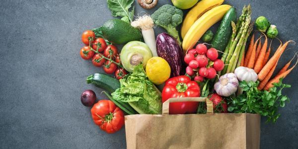 افراد 45 سال به بالا این 20 ماده غذایی را مصرف نمایند